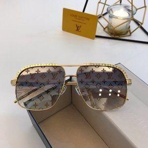 Louis Vuitton   sunlasses